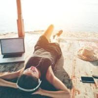 Un'estate sempre connessi: ecco come spendere meno