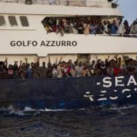 Braccio di ferro Italia-Malta, nave ong dichiara un'avaria ed entra nel porto di Pozzallo