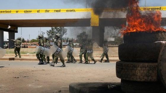 """Kenya alle urne, caos per le elezioni. Amnesty: """"Polizia ricorra alla forza solo in casi estremi"""""""