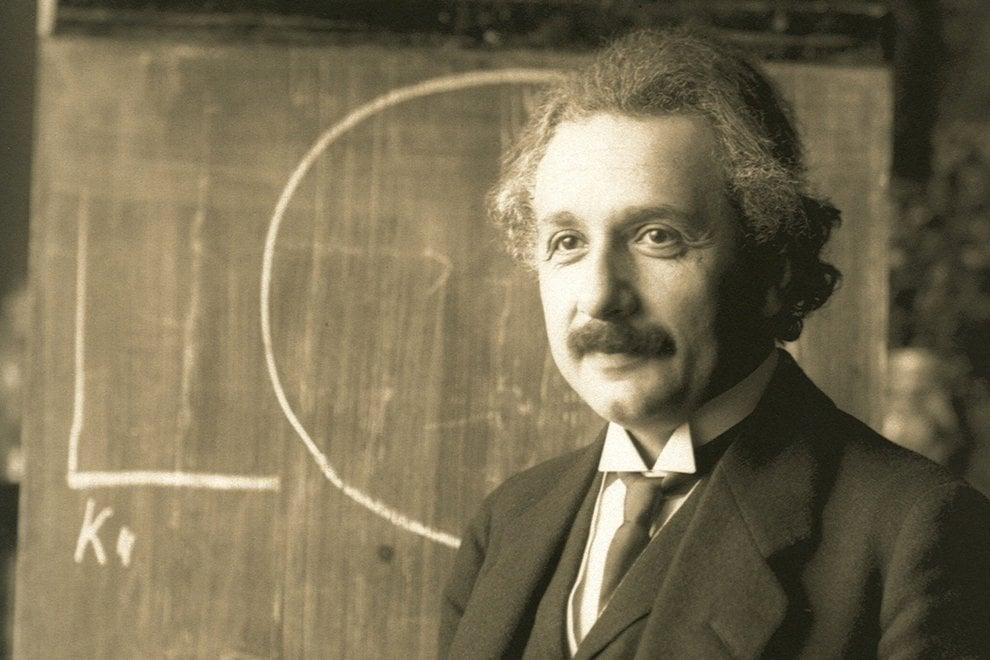 Dalle eclissi solari alla onde gravitazionali, le prove della teoria della Relatività