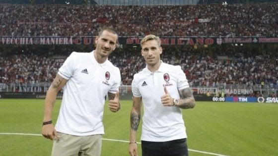 Milan, Bonucci è già l'idolo dei tifosi. Venerdì nuovi esami per Biglia