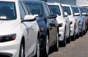 Auto nuove, truffe d'agosto: i concessionari italiani lanciano l'allarme