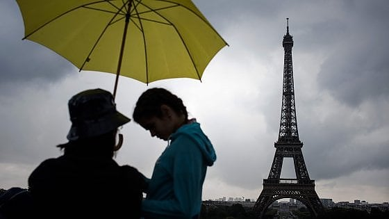 Parigi, multe aumentate di 15 volte per affitti irregolari su Aibnb