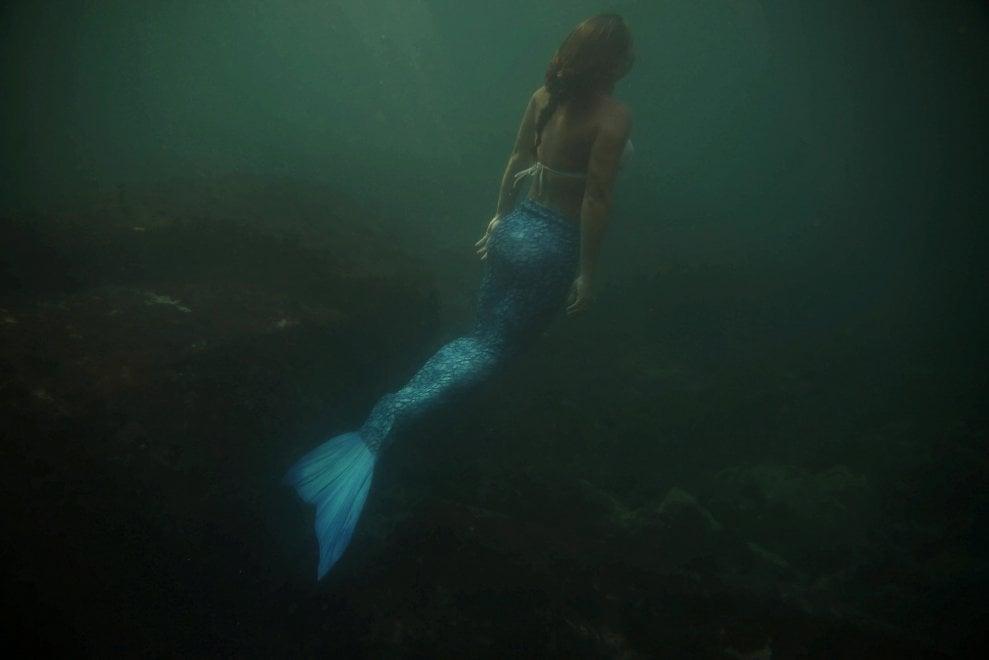 Brasile, vivere (e lavorare) da sirena: se mito e leggenda diventano realtà
