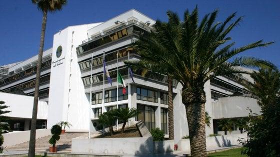 Calabria, super-ferie per il Consiglio (e 6 sedute nel 2017)