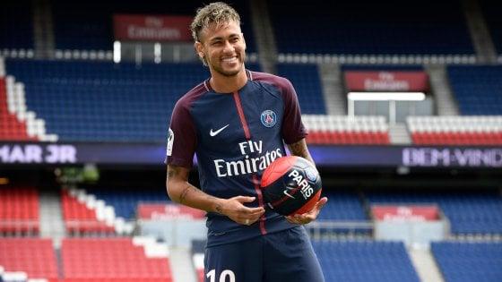 Brasile, accordo col Fisco: Neymar pagherà 2,1 milioni di euro