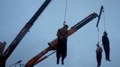 Iran, arrestato a 15 anni,  condannato a morte a 16:  tre giorni fa lo hanno impiccato