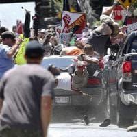 Usa, scontri tra suprematisti bianchi e antirazzisti: un'auto si lancia sulla folla