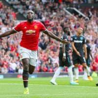 Inghilterra: Lukaku lascia subito il segno, lo United inizia con un poker