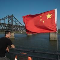 Pechino blocca le importazioni dalla Corea del Nord: stop a minerali e molluschi