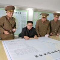 """Corea del Nord, Kim frena: """"Prima di sparare aspetto le mosse di Trump"""""""