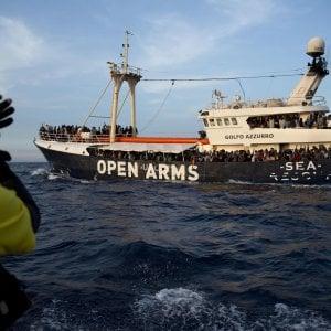 """Nave della Ong spagnola denuncia: """"Sequestrati e minacciati dalle vedette libiche"""""""