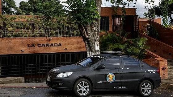 Venezuela, servizi segreti di Maduro braccano il procuratore generale: blitz e perquisizioni