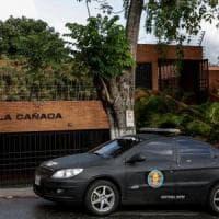 Venezuela, servizi segreti di Maduro braccano il procuratore generale: blitz