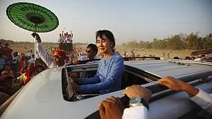 In Birmania sulle orme della Lady, dal mito alla realtà