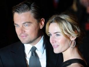 DiCaprio-Winslet complici a Saint-Tropez, le foto fanno il giro del mondo