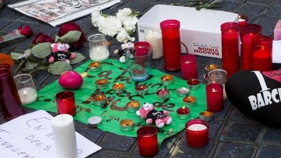 Barcellona, la strage dei turisti: sulla Rambla morti e feriti di almeno 35 nazionalità