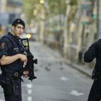 Catalogna, c'è una terza italiana tra le 14 vittime. Polizia: uccisi a Cambrils 3 dei 4...