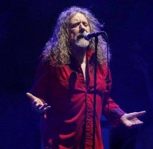 Robert Plant, 'Carry Fire', pronto il nuovo disco della voce dei Led Zeppelin