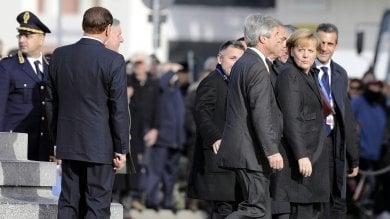 """Silvio, pensaci tu"". Merkel e Berlusconi, nasce l'asse contro i populisti"