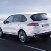 Dieselgate, la Svizzera vieta alla Porsche di immatricolare il Cayenne