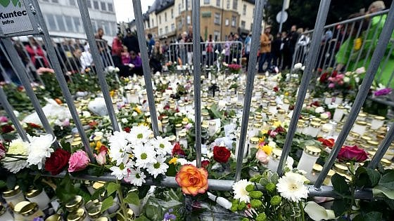 """Finlandia, un'italiana fra gli 8 feriti dell'assalto mortale di Turku. Preso richiedente asilo. Polizia: """"E' terrorismo"""""""