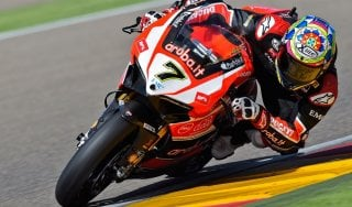 Superbike, Gp Germania: Davies domina gara 1. Messi in fila Rea e Sykes