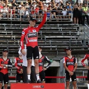 Vuelta: Bmc show nella cronosquadre, Dennis primo leader