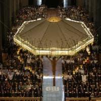 Barcellona, nella Sagrada Familia blindata centinaia per la preghiera della