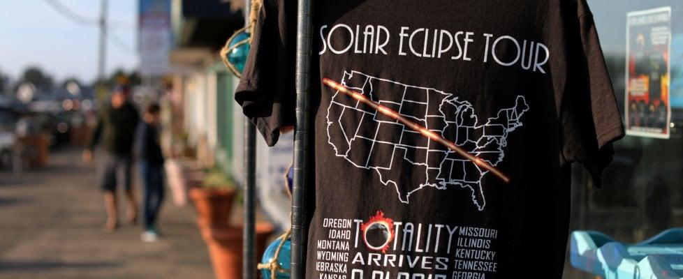 Il coast to coast dell'ombra, l'America si ferma per l'eclissi