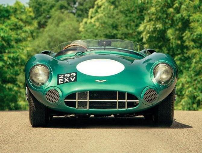 Asta record per la Aston Martin: battuta per più di 22,5 milioni di dollari