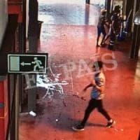 Catalogna, uomo accoltellato in auto è la 15ma vittima. Madia spagnoli: arrestato Younes Abouyaaqoub, il terrorista in fuga nella Boqueria