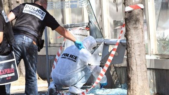 """Marsiglia, furgone contro fermate del bus: una donna morta e una ferita. """"Azione di un folle, non è terrorismo"""""""