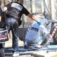 """Marsiglia, furgone contro fermate del bus: una donna morta e una ferita. """"Azione di un..."""