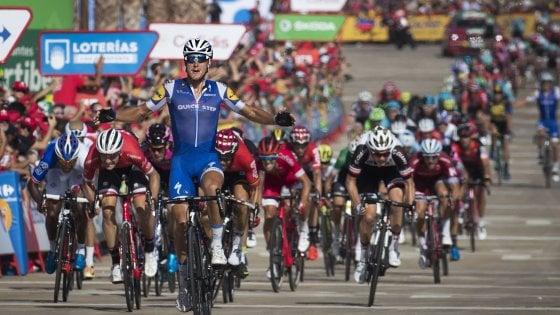 Ciclismo, ancora Italia alla Vuelta: Trentin vince in volata