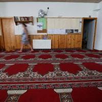 """L'esperto Maurizio Ambrosini: """"Serve una vera politica, entrare nelle moschee e formare..."""