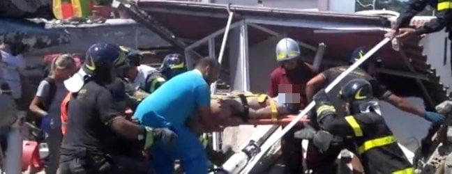 Procura valuta inchiesta per disastro colposo· Ciro a RepTv: 'Siamo vivi, ora una nuova casa'
