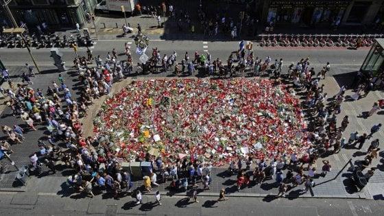 """Barcellona, scoperto secondo covo: c'erano scontrini di 500 litri acetone. """"Preparavano attacchi a chiese"""""""
