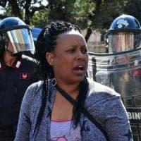 Sgombero di piazza Indipendenza a Roma: