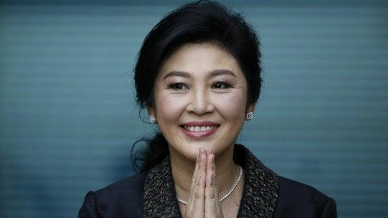 Thailandia, ex premier Shinawatra non compare in aula: emesso mandato d'arresto