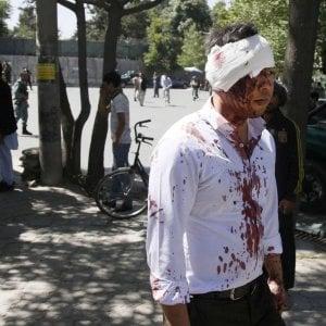 Kabul,  non c'è pace: un altro attentato con 12 morti,  un'ecatombe nei primi sei mesi di quest'anno