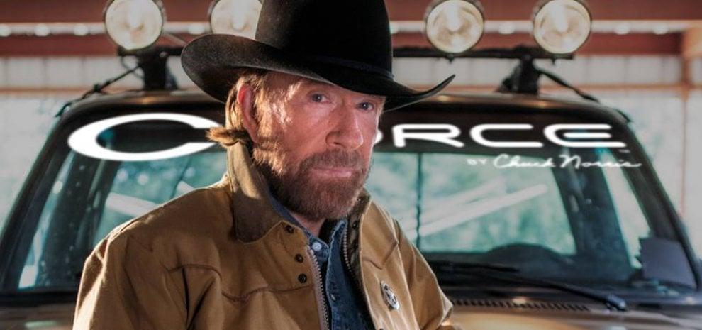 Paura per Chuck Norris, colpito da due infarti in soli 45 minuti: ma sta bene