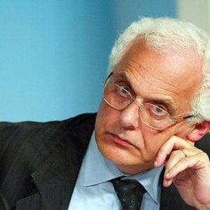 """Vincenzo Visco: """"Basta con i bonus, servono gli investimenti, non scontri giovani-anziani"""""""