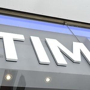 """Telecom, Cdp e F2i in pista per Sparkle. Il Copasir: """"Resti italiana"""""""
