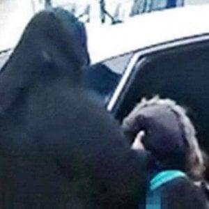 Londra, restituita alla nonna la bimba data in affido a famiglia musulmana 'integralista'