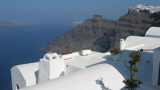 Santorini, il fascino della sopravvissuta
