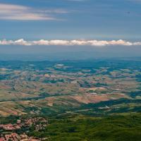 Toscana. Borghi e pendii sotto l'Amiata