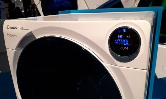Ifa 2017 la lavatrice intelligente candy bianca parla for Lavasciuga migliore 2017