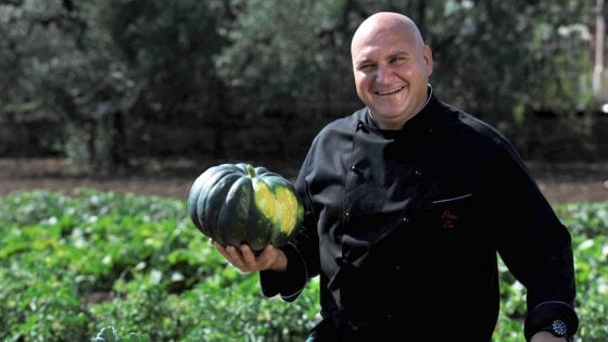 Un giro in moto con Pietro Zito: ecco i prodotti del cuore del cuoco contadino