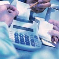 Cento tasse per gli italiani: ognuno paga in media 8mila euro